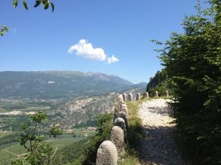 Valpolicella Valdadige - Monte discesa dal Forte - Curva a strapiombo